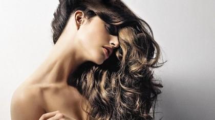 Λούσιμο: φίλος ή εχθρός των μαλλιών σου;
