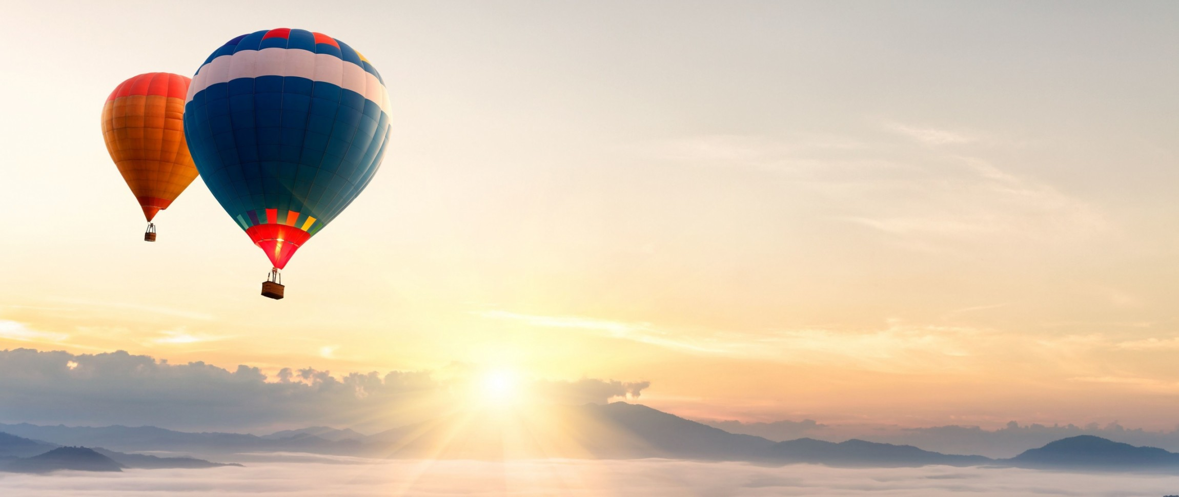 balloon_airship_sky_flying_dawn_93545_2560x1080