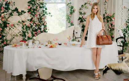 Shopping Ideas: Οικοδέσποινα με κορυφαίο style sense