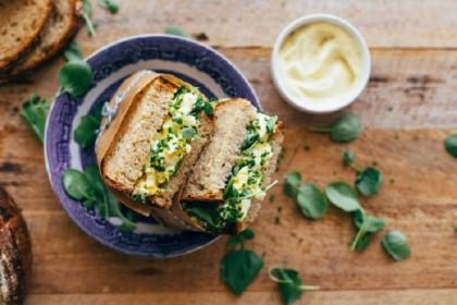 Sandwich με σαλάτα αυγών