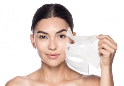 Sheet Masks: οι νέες μάσκες προσώπου είναι πιο φουτουριστικές από ποτέ