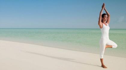 Yoga στην παραλία. Γιατί όχι;