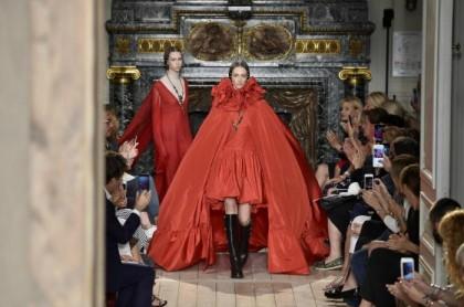 Η Εβδομάδα Υψηλής Ραπτικής ολοκληρώνεται με τον οίκο Valentino