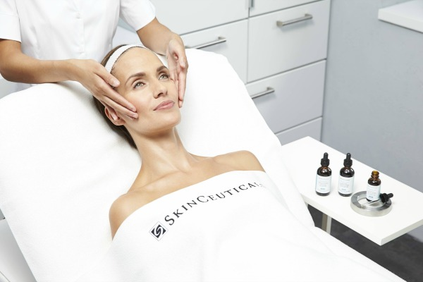 skinceuticals_advanced-peels-2-1