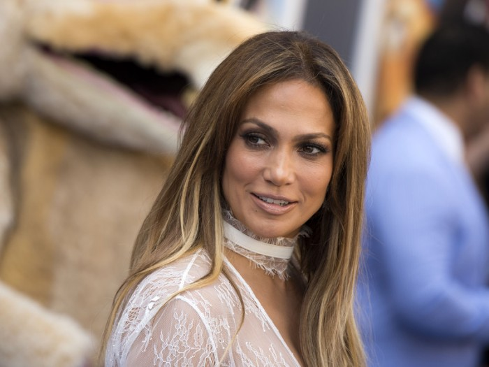 """Actress and singer Jennifer Lopez arrives for the """"Ice Age: Collision Course"""" Friends and Family Screening at Fox Studios' Zanuck Theater in Los Angeles on July 16 , 2016. / AFP / VALERIE MACON        (Photo credit should read VALERIE MACON/AFP/Getty Images)"""
