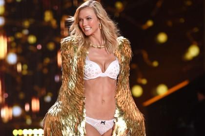Η Karlie Kloss επιστρέφει στην πασαρέλα της Victoria's Secret
