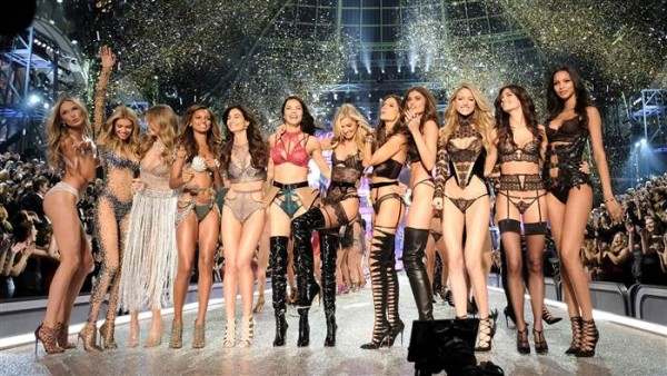 victoria-secret-fashion-show-today-161201-26_d3d872a91aaadf9f48c97b40ed29d15d.today-inline-large